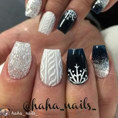 #winternails #sweaternails #3dnailart #3dnails #prettynails #snowflakes #nailartist #naildesigns