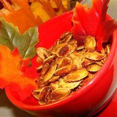 Very addictive Caramelized Spicy Pumpkin Seeds. Sweet and Spicy Spicy Pumpkin Seeds Recipe, Pumpkin Seed Recipes, Toasted Pumpkin Seeds, Pumkin Seeds, Fall Recipes, Holiday Recipes, Snack Recipes, Cooking Recipes, Appetizer Recipes