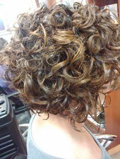 gorgeous curly bob