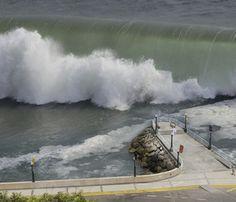 Giant wall of water hit town of NODA - Tsunami Japan 2011 Tornados, Natural Phenomena, Natural Disasters, Mega Tsunami, Apocalypse, Wall Of Water, Earth Powers, Earthquake And Tsunami, Wild Weather