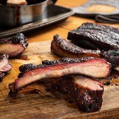 Pork Rib Recipes, Smoked Meat Recipes, Oven Recipes, Pellet Grill Recipes, Summer Grilling Recipes, Ribs On Grill, Fire Cooking, Smoking Recipes, Grilled Spare Ribs