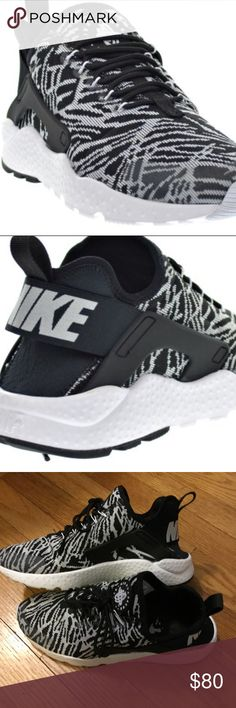 Nike Air Huarache Run Ultra Black/White Women 7.5 Like new Nike Women's Air Huarache Run Ultra in size 7.5 in black and white. Only worn them a few times in great condition as you can see by the pictures. Style # 818061-001 Nike Shoes Athletic Shoes http://feedproxy.google.com/fashionshoes2