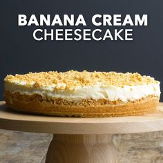 Banana Cream Cheesecake Here is a lovely company dessert that can be made a day or two in advance. This banana cream cheesecake is the perfect finale to any meal. —Margie Snodgrass, Wilmore, Kentucky - Banana Cream Cheesecake, Taste of Home Köstliche Desserts, Dessert Recipes, Recipes Dinner, Healthy Desserts, Appetizer Recipes, Banana Cream Cheesecake, Cinnamon Roll Cookies, Soft Chocolate Chip Cookies, Cake With Cream Cheese