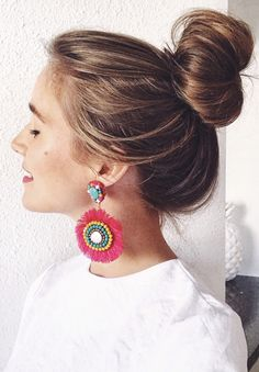 This girl's instagram: @LonestarSouthern messy bun, how to get the perfect messy bun, statement earrings, pink statement earrings, pink tassel earrings, pink earrings, messy bun with statement earrings, summer earrings