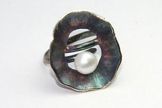 seaworld series, nature inspired ring with cultured pearl, sterling silver oxidized with rainbow effect by FavelaJewelry on Etsy