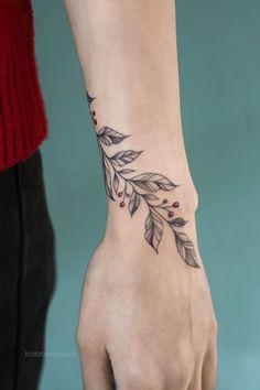 Vine Tattoos, Flower Wrist Tattoos, Small Flower Tattoos, Dream Tattoos, Foot Tattoos, Body Art Tattoos, Small Tattoos, Feminine Tattoos, Girly Tattoos