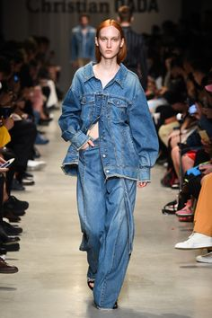 Fashion Week Paris Spring/Summer 2018 look 22 from the Christian Dada collection menswear Catwalk Fashion, Dope Fashion, Denim Fashion, Fashion Show, Fashion Outfits, Amo Jeans, Jeans Denim, Denim Top, Fashion Images