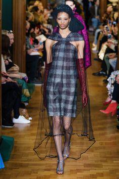 Erdem Fall 2019 Ready-to-Wear Collection - Vogue Vogue Fashion, Fashion Week, Fashion 2017, Runway Fashion, Spring Fashion, Fashion Trends, London Fashion, Winter Fashion, Vogue Paris