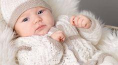 Lekkert Babysett i beige og hvit Ravelry Free, Knit Cardigan, Baby Knitting, Cardigans, Kids Outfits, Books, Layette, Libros, Book