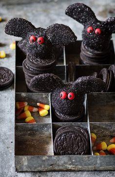 Oreo Truffle Bats | Bakers Royale #SpookySnackLabContest