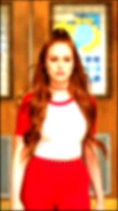 Riverdale Cheryl, Riverdale Cast, Ayyy Lmao, Riverdale Aesthetic, Harry Potter Gif, Madelaine Petsch, Cheryl Blossom, Movies Showing, Bombshells