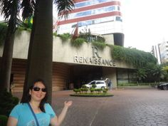Na esquina da Rua Haddock Lobo com a Alameda Santos fica o Hotel Renaissance, inaugurado em 1997. Projetado pelo arquiteto Ruy Ohtake, o luxuoso hotel conta com 444 apartamentos, um teatro, restaurante e cigar room, um dos poucos da cidade.