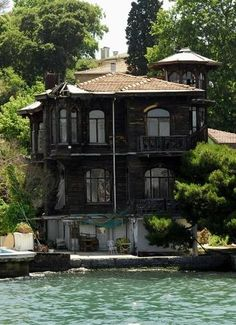 Muazzez, also known as Fenerli Mansion / Istanbul. Turkish Architecture, Art And Architecture, Places Around The World, Around The Worlds, Beautiful Homes, Beautiful Places, Republic Of Turkey, Visit Turkey, Turkey Travel