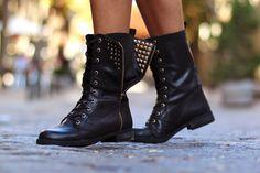 """Del blog """"Trendy Taste"""" con unas moteras de Más34 www.mas34shop.com #trendytaste #cdg_comunicacion #moda #modamujer #outfit #tendencias #fashion #modajoven #barcelona #shoponline #shoes #mas34"""