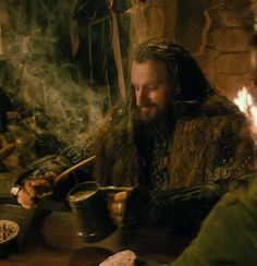 Thorin arrives just in time for dinner, or: The better to see you with, Oakenshield