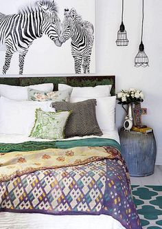 How to bring female intelligence to your home - bedroom furniture layout Bedroom Corner, Home Bedroom, Bedroom Decor, Bedroom Ideas, Cute Home Decor, Home Decor Signs, Furniture Layout, Bedroom Furniture, Furniture Ideas