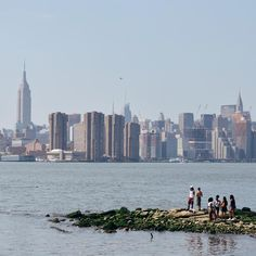 A hazy hot day by the East River