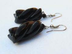 Black coral earring (Jenna)