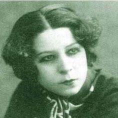 Afife Jale, ilk kadın (müslüman) tiyatro oyuncumuz. 1919'da Yamalar temsiliyle sahne aldı. (1902-1941)
