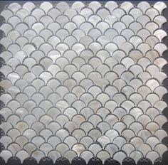 Aliexpress.comの から の中のオリジナル白のモザイクタイルbacksplashの扇型のシェル真珠の母シェルタイル