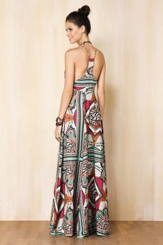 I don't really like maxi dresses, but I love this pattern and the back! Trendy Dresses, Cute Dresses, Casual Dresses, Fashion Dresses, Summer Dresses, Maxi Dresses, Long Dresses, Mode Lookbook, Mode Hippie
