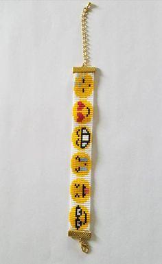 Smiley Emoticons Elica Miyuki Rocailles Webstuhl Armband - Bead crochet, kumihimo and loom - Requisit Loom Bracelet Patterns, Bead Loom Bracelets, Bead Loom Patterns, Jewelry Patterns, Beading Patterns, Bead Loom Designs, Bead Crochet, Loom Beading, Bead Weaving
