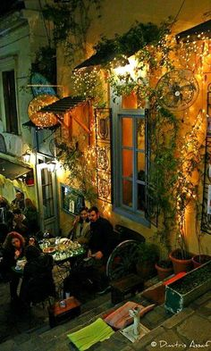 Beautiful timeless Plaka under the Akropolis, Athens, Greece Mykonos, Santorini, Patras, Oh The Places You'll Go, Places To Visit, Beautiful World, Beautiful Places, Athens Greece, Athens City
