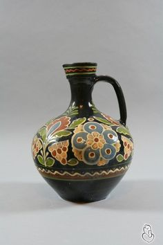 Pottery by Ukrainian folk artist Paraska Biliak. From the collection of the National Pottery Museum in Opishne, Ukraine.