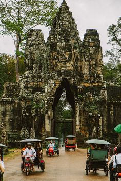 Siem Reap, Cambodia, the gateway to Angkor. An amazing place. Laos, Phnom Penh, Oh The Places You'll Go, Places To Visit, Angkor Wat Cambodia, Thailand, Beau Site, Cambodia Travel, Road Trip