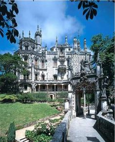 Portugal - Sintra - Quinta da Regaleira -Mason headquarters and historic tribute Sintra Portugal, Ericeira Portugal, Spain And Portugal, Beautiful Castles, Beautiful Places, The Places Youll Go, Places To See, Portuguese Culture, Monuments