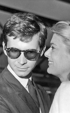 1962 - Ο Anthony Perkins και η Μελίνα Μερκούρη στην Ελλάδα στη διάρκεια του γυρίσματος της ταινίας Phaedra.