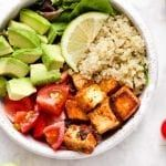 You will love these healthy Chipotle Tofu Quinoa Bowls! This easy recipe is vegan, gluten free, and meal prep friendly. Easy to make and makes a delicious vegetarian lunch or dinner for the week with avocados, tomatoes, and greens! Vegetarian Lunch, Easy Meal Prep, Healthy Meal Prep, Easy Meals, Healthy Eating, Tofu Recipes, Cooking Recipes, Healthy Recipes, Easy Quinoa Bowl