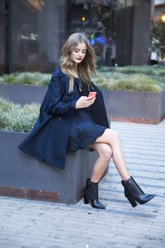 The 10 Shoes Every Power Woman Should Own Autumn Winter Fashion, Fall Fashion, Womens Fashion, Fashion Guide, Winter Style, Street Fashion, Casual Outfits, Fashion Outfits, Black Outfits