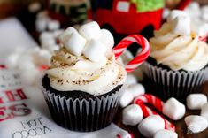 Whip up your favorite hot chocolate mix into these Hot Chocolate Cupcakes for the perfect winter evening treat! Top them with homemade marshmallow frosting and decorate them with mini marshmallows, mini candy canes and chocolate syrup to look like tiny mugs of hot cocoa. #chocolatesyrup Gooey Chocolate Cake, Hot Chocolate Cupcakes, Double Chocolate Cake, Gluten Free Chocolate Cake, Hot Chocolate Mix, Chocolate Syrup, Homemade Chocolate, Brownie Cupcakes, Yummy Cupcakes