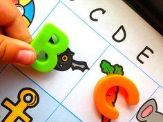Easy and Free Beginning Letter Sound Match Preschool Learning Activities, Alphabet Activities, Abc Learning, Preschool Names, Preschool Education, Language Activities, Preschool Classroom, Homeschool Curriculum, Classroom Ideas