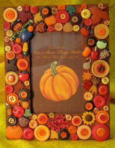 Thanksgiving crafts 30 Creative DIY Fall Buttons Craft Ideas-good idea to do w/ Christmas coloured b Autumn Crafts, Thanksgiving Crafts, Holiday Crafts, Thanksgiving Turkey, Spring Crafts, Button Frames, Button Art, Button Image, Primitive Christmas