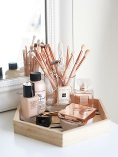 17 gorgeous makeup storage ideas beauty vanity organization ideas wooden tray makeupwakeup woodenmakeuporganizationdiy diy simple makeup room ideas organizer storage and decorating Diy Makeup Organizer, Makeup Organization, Vanity Table Organization, Bedroom Organization, Dressing Table Organisation, Beauty Organizer, Perfume Organization, Makeup Brush Storage, Makeup Storage Small