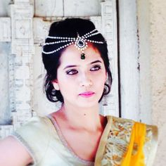 Amrita Bokey Makeup Artist Pune - Review & Info - Wed Me Good #maathapatti #hairaccessories