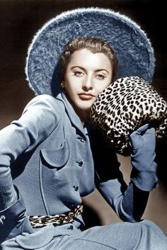 Barbara Stanwyck 1940 Barbara Rocks A Tailored Pastel Blue Suit In 1940 With A Few Pops Of Leopard Print To Accessorise