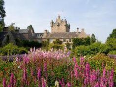 castle cawdor gardens