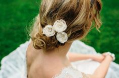 Cream Lace Flower Hair Pin Set With Crystals by DesignedByTanne, €29.60
