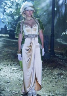Ashley Benson as Hanna Marin in Pretty little liars Grave New World - PLL Halloween costumes