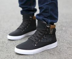 Amazing 70 Cool Men's Sneaker Ideas to Try on Every Ocassion from https://www.fashionetter.com/2017/05/14/cool-mens-sneaker-ideas-try-every-ocassion/