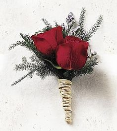 Simple and gorgeous christmas or winter-wedding inspired boutonniere with fern, seasonal greenery, red roses, and raffia. Christmas Wedding Bouquets, Winter Wedding Flowers, Christmas Wedding Decorations, Rose Boutonniere, Boutonnieres, Winter Boutonniere, Wedding Boutonniere, Winter Wonderland Wedding, Flower Delivery