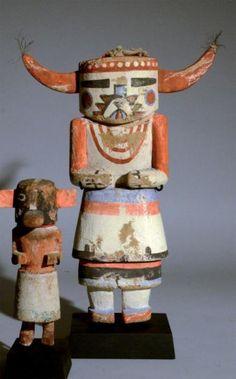 Kachina Supaï Hopi, Arizona, U.S.Ass Circa 1940-1950 Bois, pigments, tissu, coton H: 28 cm