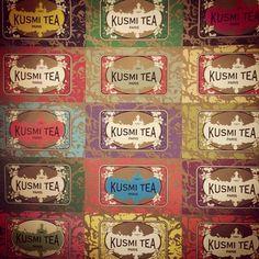 クスミ・ティーは、1867年にロシアの紅茶商の方が作ったブランド。歴史を経て人手に渡り、今ではフランスに本店があるブランドとなっています。何ともいえない、オリエンタルなデザインが特徴的。