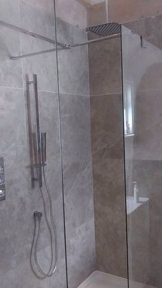 Thanks to Tracey Bryan for sharing her new shower. This project was completed with 900x600 Volterra Grigio. Polished porcelain. www.roccia.com