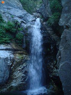 """Καταράκτης στις """"Βάθρες"""". Waterfall, Places, Outdoor, Outdoors, Waterfalls, Outdoor Games, The Great Outdoors, Lugares"""
