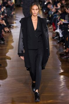 Stella McCartney Fall 2014 Ready-to-Wear Collection Slideshow on Style.com