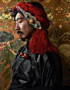 The glamours of Tibetan jewellery (Harper's Bazaar China) Estilo Hippie Chic, Hippy Chic, Boho Hippie, Harper's Bazaar, Tibetan Jewelry, Ethnic Fashion, Chinese Fashion, Hippie Fashion, Men's Fashion